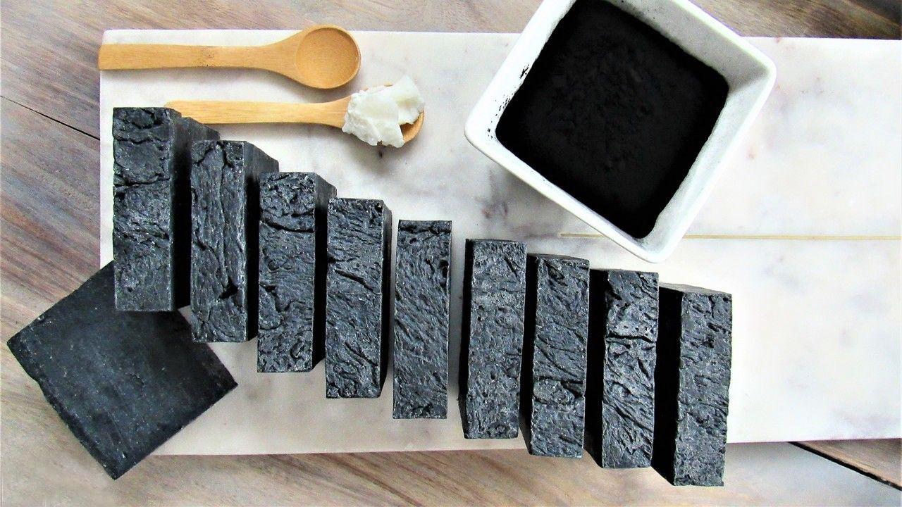 صابون زغال فعال و فواید بی نظیر آن در زیبایی