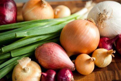 خواص پیاز برای سلامتی، درمان و کاربرد آن در آشپزی